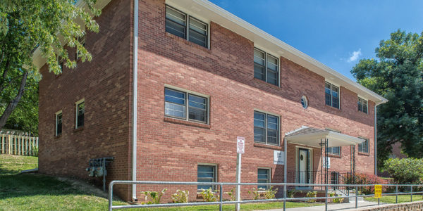 newly refinished apartments in a beautiful west omaha location
